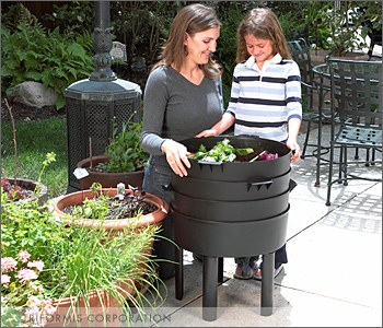The Can O Worms Is Largest Worm Bin Offered By Farm And An Odorless User Friendly Composting System That Allows Anyone To Pare